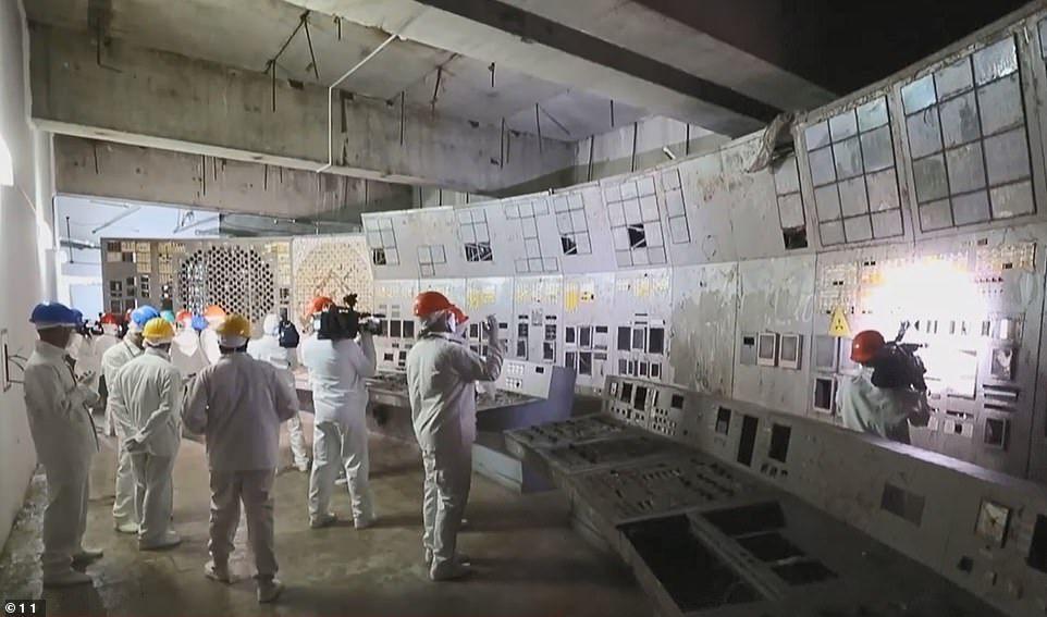 Tchenobyl : salle de contrôle du réacteur 4 ouverte au public