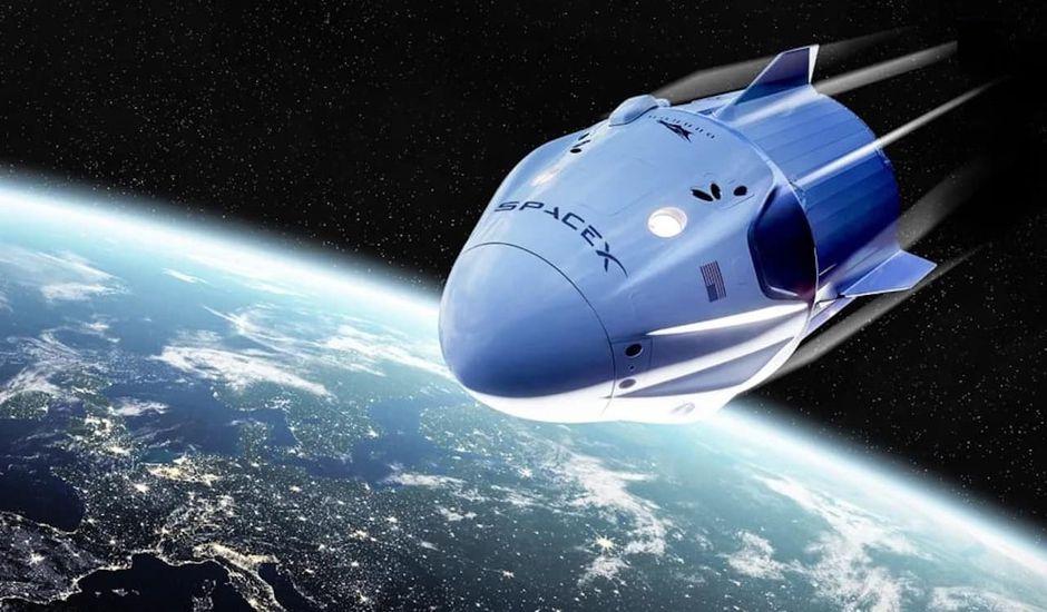 Crew Dragon pénètre parfaitement l'atmosphère terrestre.