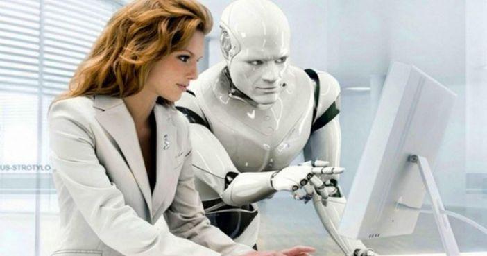 femme-robot-collegue