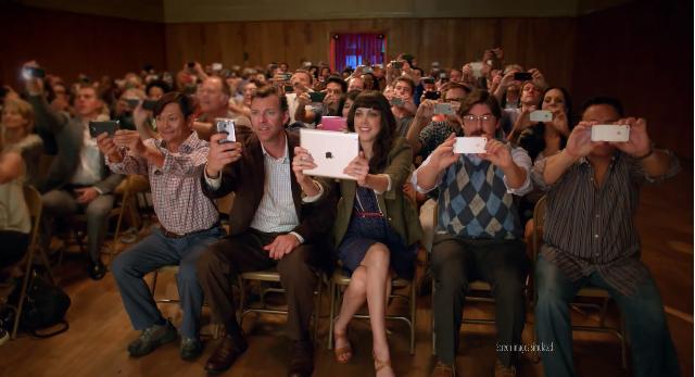 Dans cette pub, Nokia se moquais légèrement des adeptes de l'iPone (et iPad).