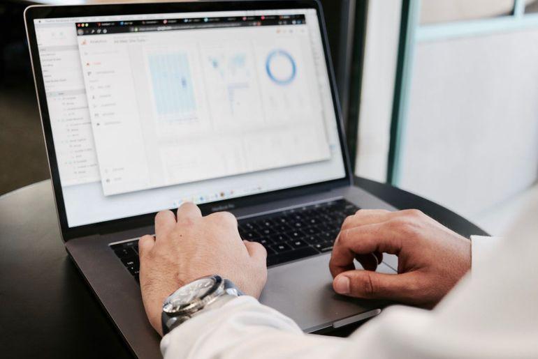 7 indicateurs clés pour mesurer la performance de vos campagnes emailing