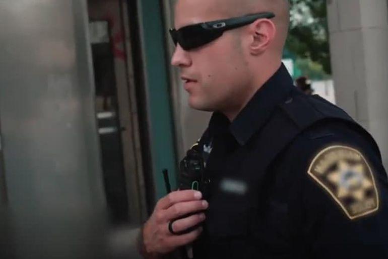 Aux États-Unis, la police ne peut pas vous forcer à déverrouiller votre smartphone avec vos données biométriques.