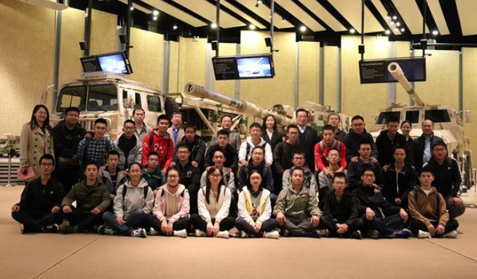 La Chine recrute 30 jeunes étudiants pour travailler sur des armes basées sur l'IA