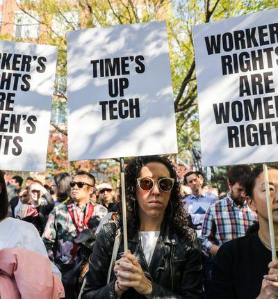 Des employés de Google dénonçant les mauvais traitements infligés aux femmes dans le secteur des technologies