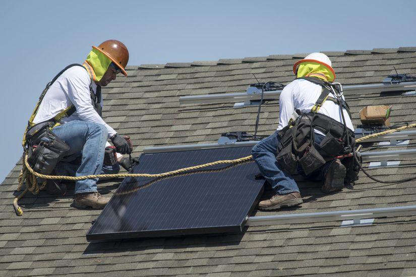 La Californie exige la présence de panneaux solaires sur les nouvelles constructions.