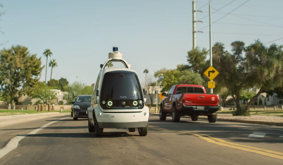 La véhicule R1 de Nuro est lancé sur les routes d'Arizona pour effectuer des livraisons pour l'enseigne Kroger