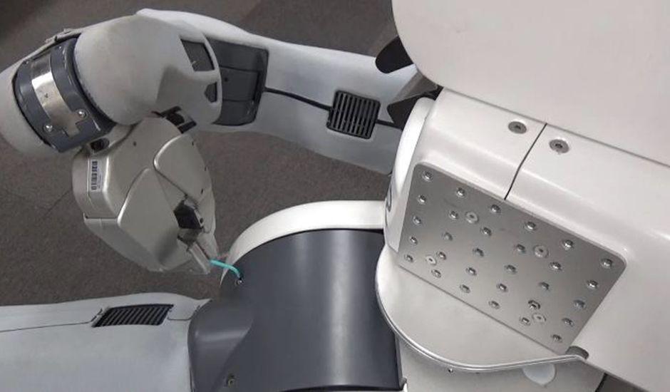 Un robot capable de se réparer tout seul.
