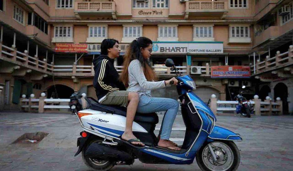 L'Inde veut électrifier son parc automobile.