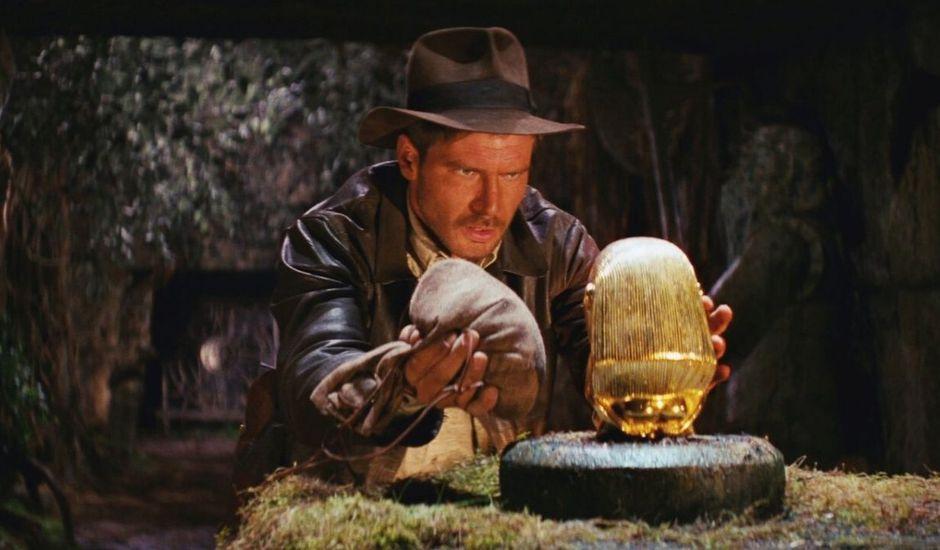 Harrison Ford dans le rôle d'Indiana Jones dans Les Aventuriers de l'Arche Perdue