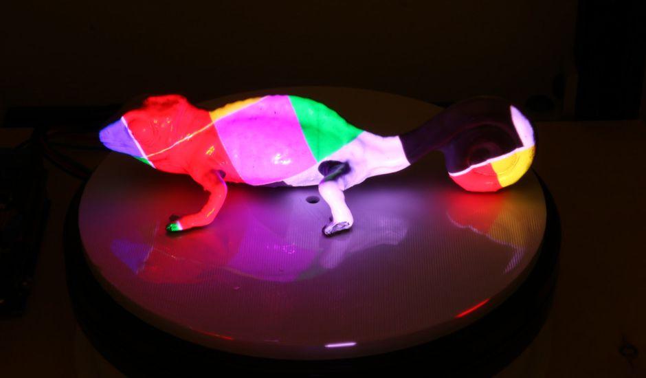 Le MIT invente une encre capable de changer de couleur.