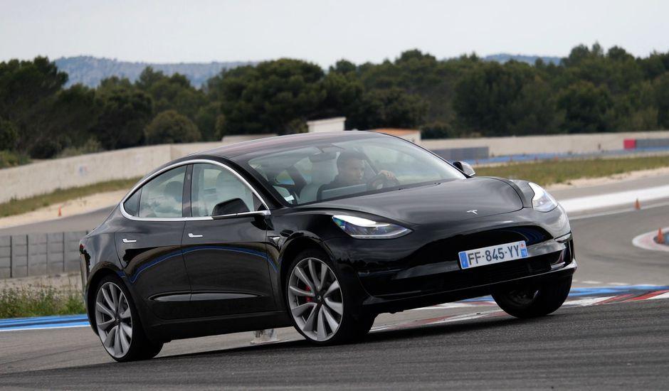 La Tesla Model 3 est une nouveauté de l'année 2019.