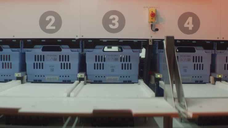 Alphabot va déposer les produits sur un poste de travail