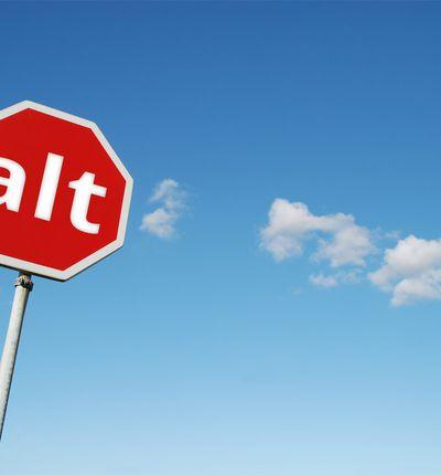 image d'un panneau de signalisation avec le mot alt