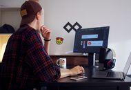 un employé en télétravail devant son écran