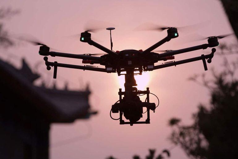 Une attaque de drones au Vénézuéla. La police de New York utilisera des drones pour surveiller le réveillon du nouvel an.