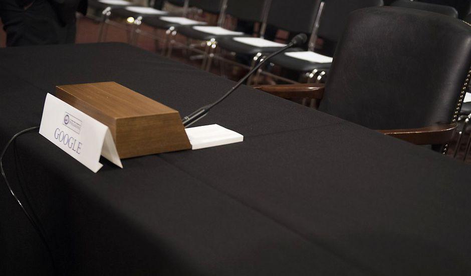 La chaise vide de Larry Page devant le congrès américain