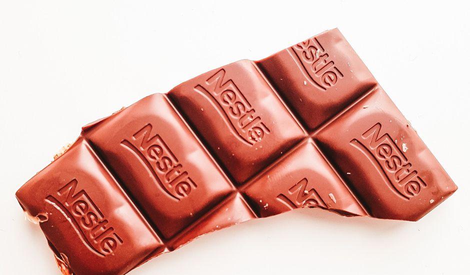 Nestlé va renoncer partiellement au plastique.