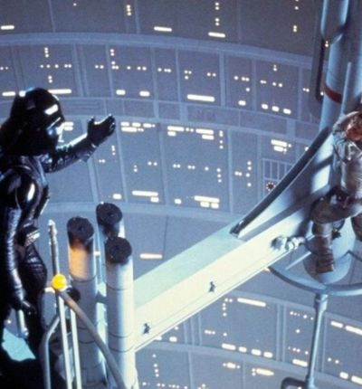 Dark Vador et Luke Skywalker dans le fillm Star Wars : L'Empire contre-attaque