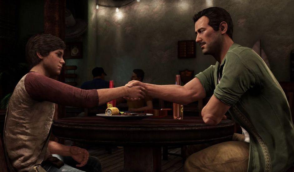 tom holland et mark walhberg dans le film Uncharted