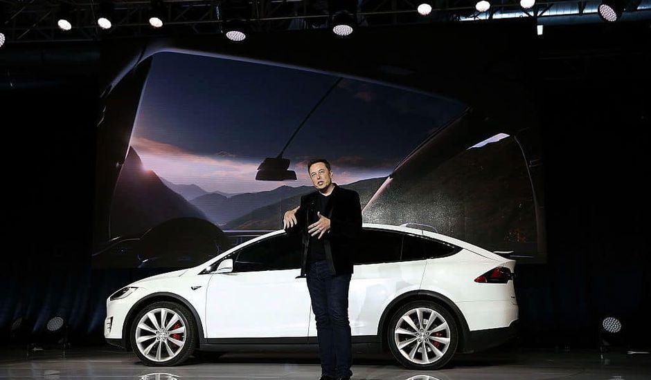Tesla fabrique sa propre puce d'IA