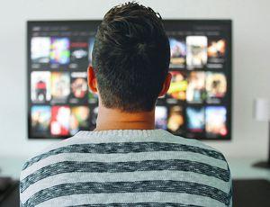 Les télévisions intelligentes vous espionnent et collectent vos données personnelles pour des tiers