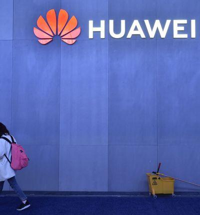 Huawei serait-il de mèche avec les services secrets chinois ?