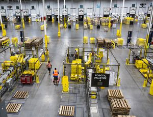 un entrepôt Amazon
