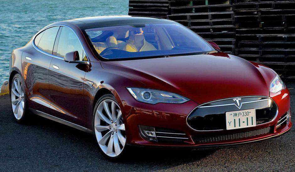 Tesla met à jour les batteries des Model S et X suite à plusiieurs incendies
