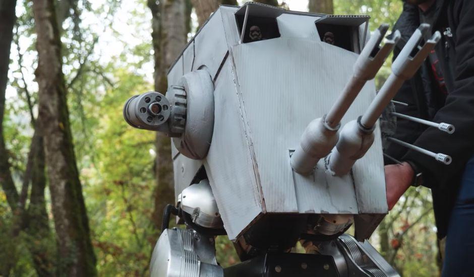Des ingénieurs ont transformé leur robot bipède Cassie en un robot AT-ST de Star Wars