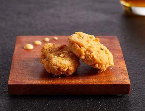 Deux pépites de nuggets à base de viande cellulaire bientôt autorisé à Singapour.