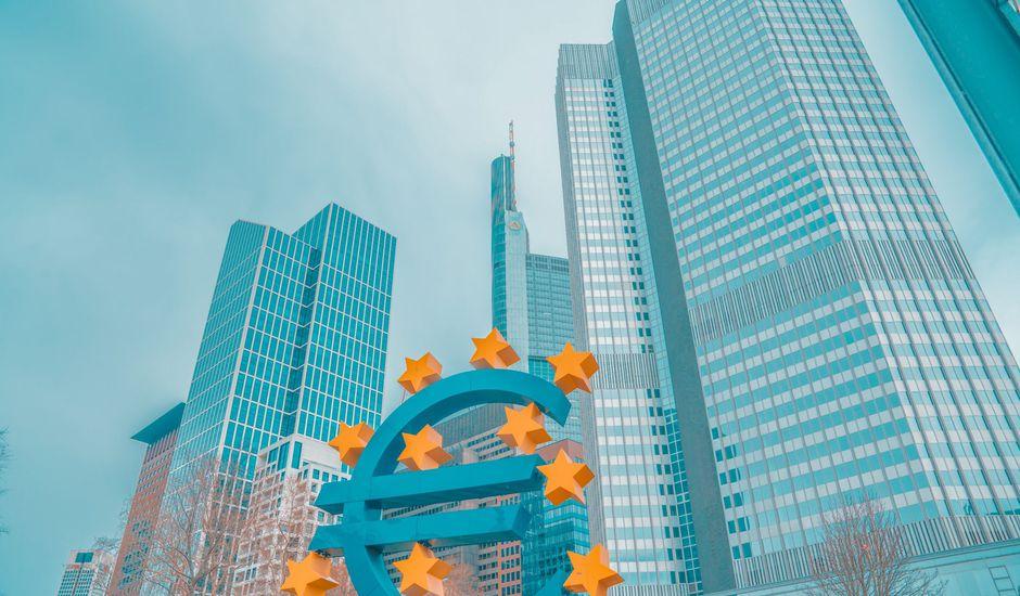 Le symbole de l'euro devant la BCE à Francfort
