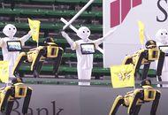 Au Japon, des robots Spot et Pepper dans les tribunes d'un stade.