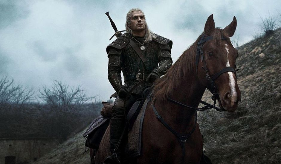 Geralt de Riv et son cheval Ablette dans The Witcher