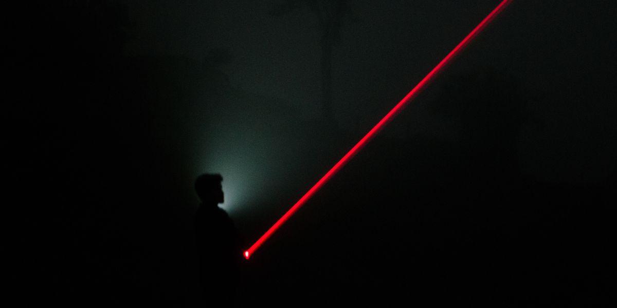 Siri, Alexa, et Google Assistant piratables à partir d'un simple laser