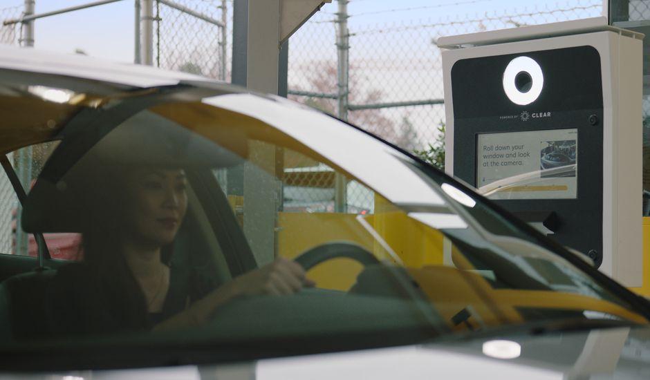 Hertz veut faire de la reconnaissance faciale le standard de la location de voitures