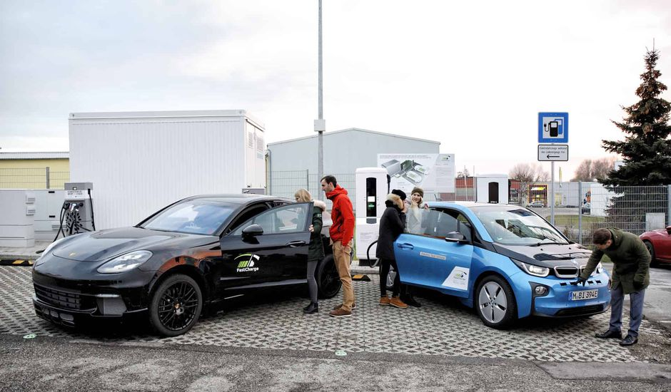 FastCharge imagine un chargeur trois fois plus rapide que celui de Tesla.