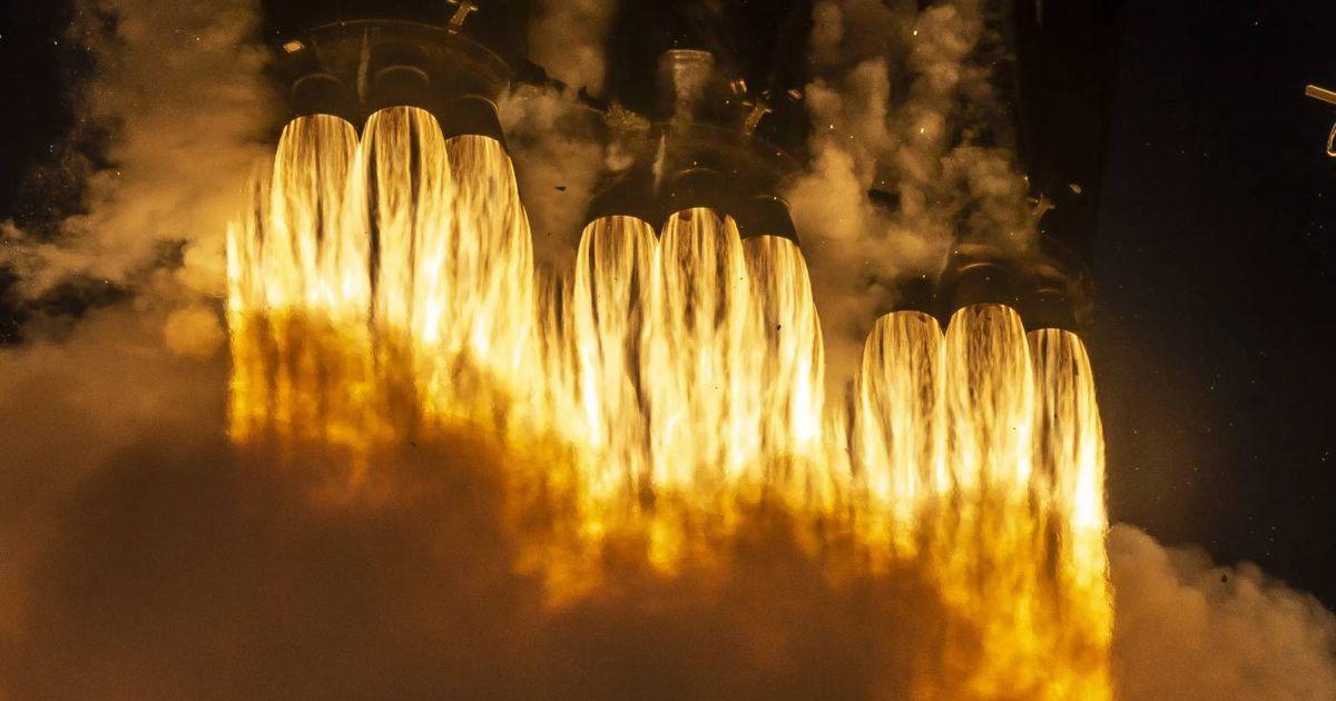 SpaceX : le Falcon Heavy choisi pour lancer le rover VIPER jusqu'à la Lune