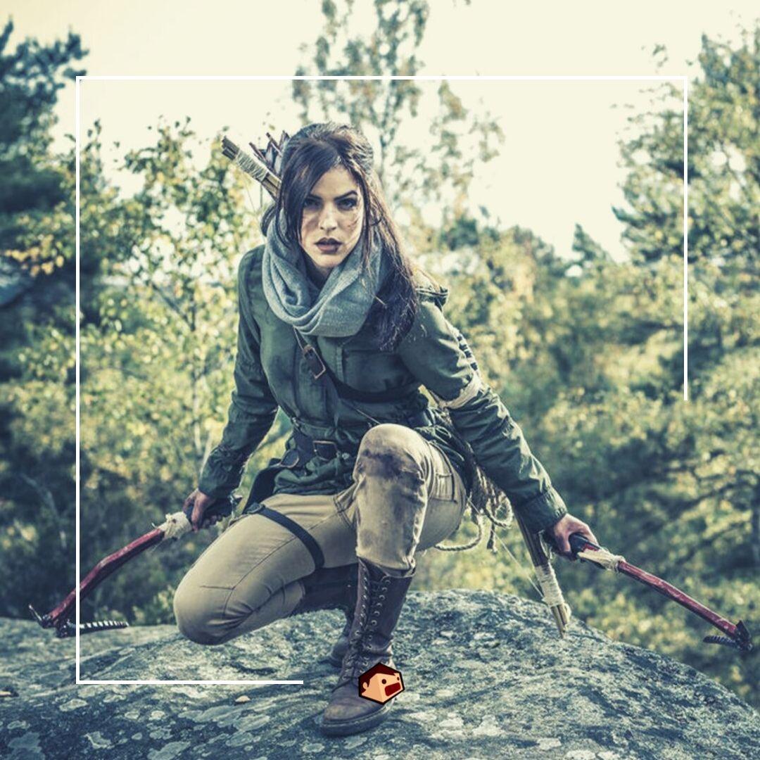 cosplay de lara croft tomb raider survie dans la forêt