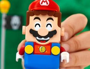 Un Mario fabriqué avec 23 milles briques LEGO