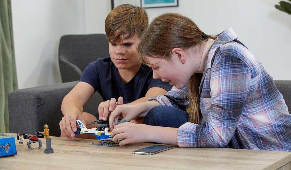 Des instructions en audio et en braille pour que les malvoyants puissent profiter des Lego.