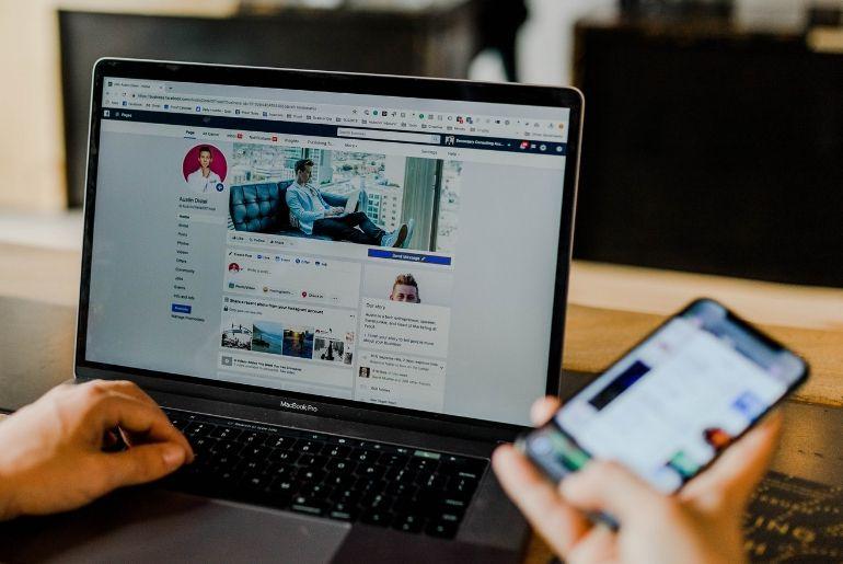adsreport outil en ligne pour mesurer les performances publicitaires des facebook ads