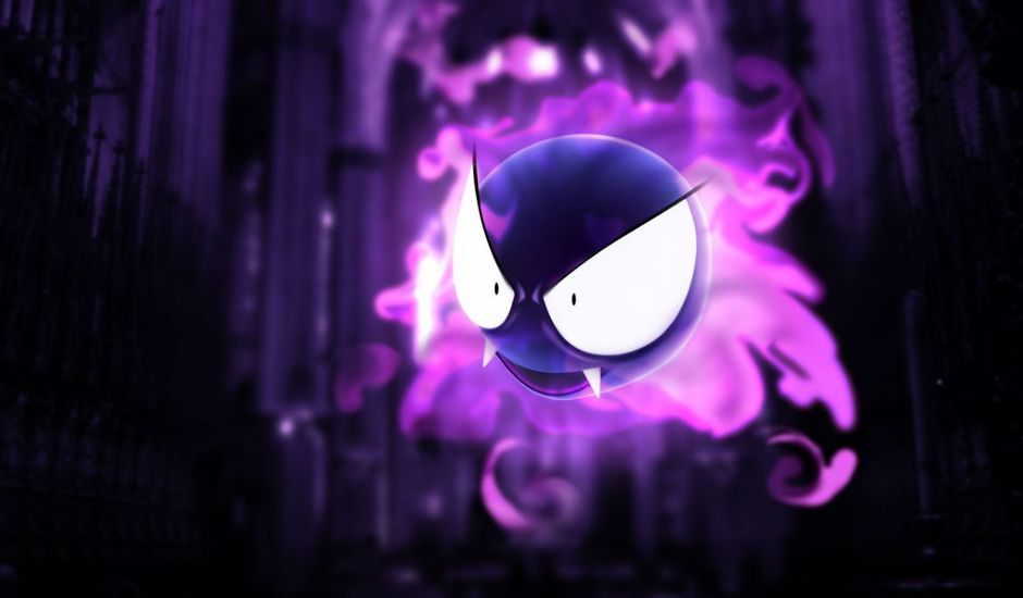 une citrouille d'halloween en forme de fantominus le pokémon