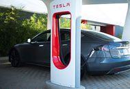 superchargeurs Tesla. Les superchargeurs de Tesla seront présents dans tout l'Europe d'ici la fin de l'année 2019 selon Elon Musk
