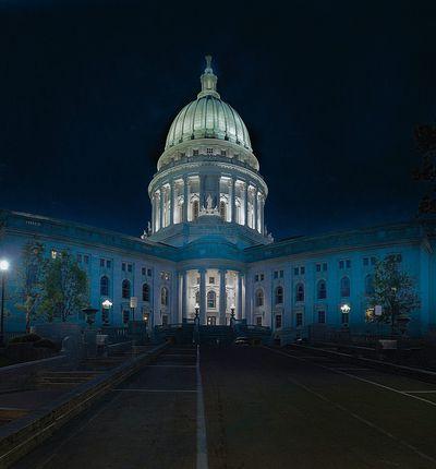 Le Capitole des États-Unis : bâtiment servant de siège au Congrès, le pouvoir législatif des États-Unis