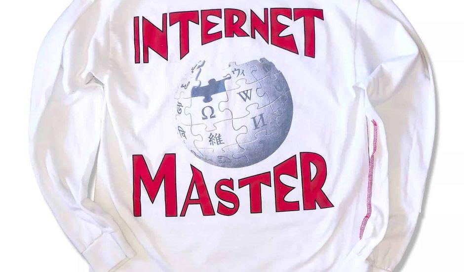 Wikipédia se lance dans le streetwear en créant un T-shirt