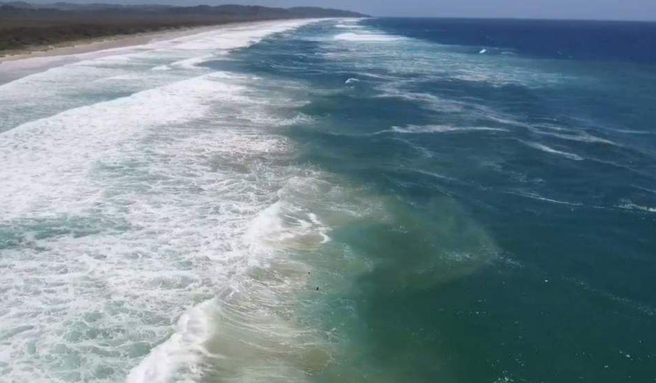 drone Australie nageurs