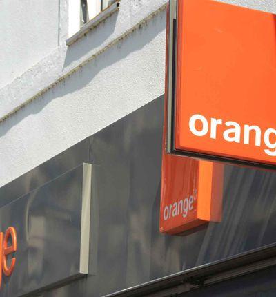 La devanture d'un magasin Orange.
