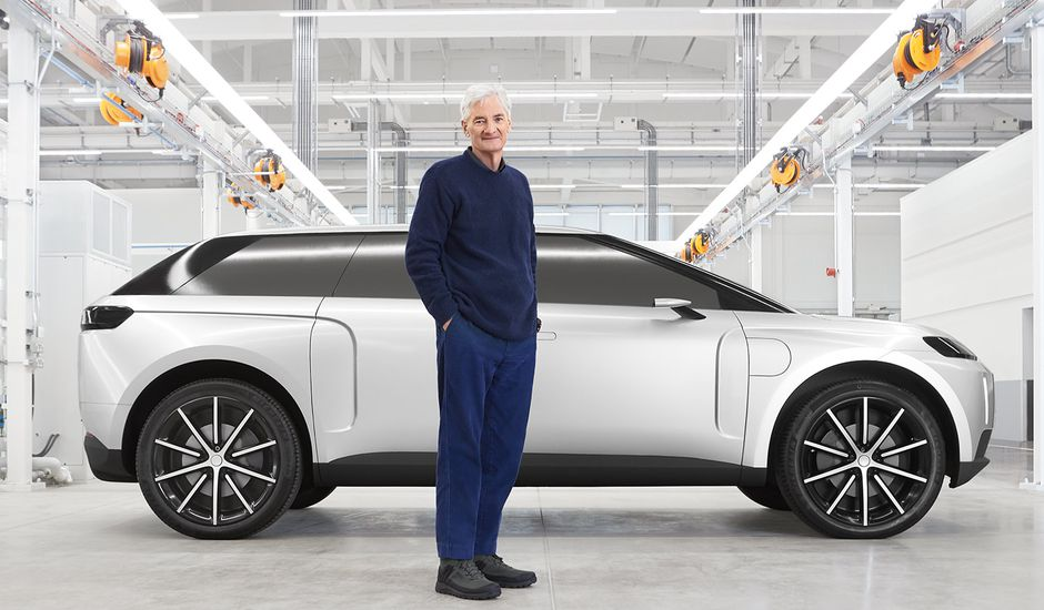 James Dyson devient un prototype de voiture électrique.