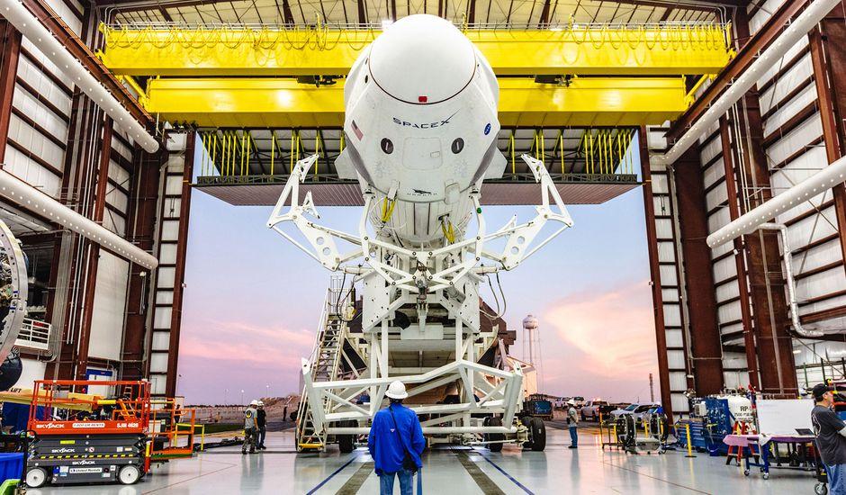 La capsule Crew Dragon doit effectuer son premier vol habité.