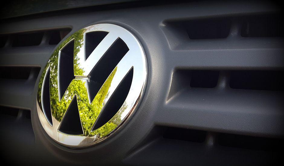 Volkswagen accélère ses investissements dans les voitures électriques